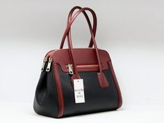 """Suveran bags & more - Administration - Product <small><small>[ Edit ]</small></small> <span style=""""color: #666666; font-size: large;""""><a href=""""http://www.posetepiele.ro/index.php?option=com_virtuemart&view=productdetails&virtuemart_product_id=4719"""" target=""""_blank"""" >Geanta piele naturala dama L05G (Geanta piele naturala dama L05G)<span class=""""vm2-modallink""""></span></a></span>"""
