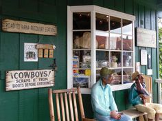 Front porch/signs at the Old Ulupalakua Ranch Store