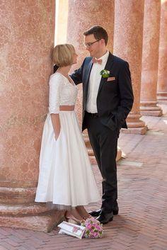 noni - tea-length Petticoat Brautkleid mit Ärmeln und V-Ausschnitt (www.noni-mode.de)