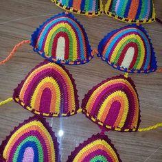 Biquíni de crochê listrado,com uma cor ou mais cores , conjunto Love Crochet, Bead Crochet, Diy Crochet, Crochet Crafts, Puff Stitch Crochet, Crochet Stitches, Crochet Designs, Crochet Patterns, Crochet Backpack Pattern