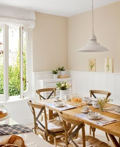 Modern Classic in Spain, design, décor, interior, Spain, sunny, cozy, warm, dining room