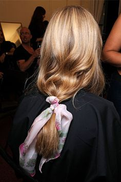 7 Poppin' ponytails For Summer & Beyond