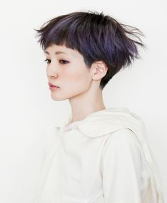 Short Hairstyles with Blunt Bangs for Teenage Girls