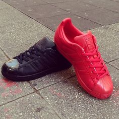 new concept 5f107 342d8 Adidas Superstar Glossy Toe ! Full Black or full Red 😁 Available NOW  online or in