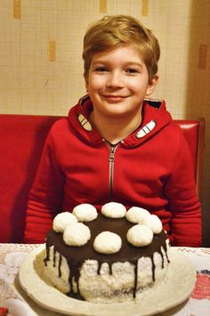 Hólabda torta - Milán 9. születésnapjára ❤ Cookies, Cake, Food, Crack Crackers, Biscuits, Kuchen, Essen, Meals, Cookie Recipes