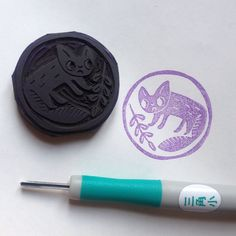 Stamp 37/52 was carved in Barcelona. Inspired by ceramic artist Makoto Kagoshima whom I was introduced to by @ishtarolivera #stampchallenge2015 #year2015stamps #ayearofstamps #puks52stamps #astampaweek #handcarved #eraserstamp #rubberstamp #makeyourownstamp #stempel #håndskåret #japanese #ceramic