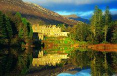 De castillo en castillo por Irlanda. Ballynahinch Castle Hotel es hoy un alojamiento de lujo situado en un bosque de 450 hectáreas el corazón de Connemara, en el condado de Galway