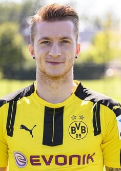 Marco Reus poses during the team presentation of Borussia Dortmund on August 17…