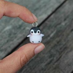 Penguin Charm// P0tat0Pug's Notes: This is super cute and I plan to make this and attach it to a necklace.