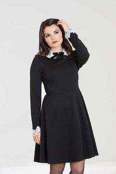Černé šaty s krajkovým bílým límečkem Hell Bunny Ricci 50s Outfits, Skater Girl Outfits, Dress Outfits, Fashion Outfits, Fashion Fashion, Mini Skater Dress, Wiggle Dress, Vintage Dresses, Vintage Outfits
