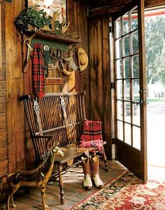 Gail Claridge's Lovely Nation Meadow Equestrian Ranch has that Ralph Laure. Gail Claridge's Lovely Nation Meadow Equestrian Ranch has that Ralph Lauren look! Lodge Look, Lodge Style, Cabin Homes, Log Homes, Country Decor, Rustic Decor, Country Entryway, Rustic Bench, Rustic Backdrop