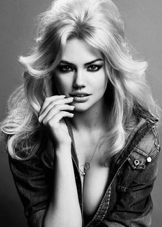 Kate Upton for V #87 Spring/Summer 2014, ph. by Inez van Lamsweerde & Vinoodh Matadin.