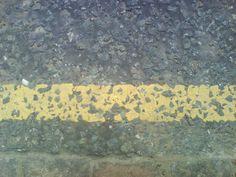 broken yellow line
