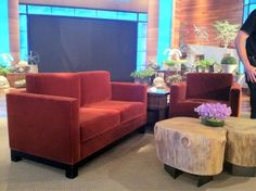 The Ellen set... I was setting in the 3rd row 3rd seat on the left, right in the center of this stage., it was AWESOME