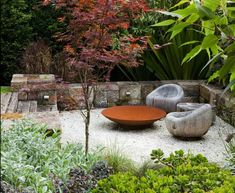 Have you ever heard about a Sunken garden? If you are familiar with an English garden style then you might now what it is. The Sunken garden is a formal, traditional English-style garden which is a… Back Gardens, Small Gardens, Outdoor Gardens, Corten Steel Garden, Sunken Garden, Sunken Patio, Pebble Garden, Gravel Patio, Australian Garden