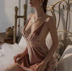 Bustier Lingerie, Lingerie Sleepwear, Lingerie Set, Pretty Lingerie, Pyjamas, Sexy Pajamas, Sexy Back, Bridal Nightgown, Romantic Woman