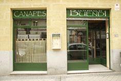 La Taberna de Buendi. Aquí venimos religiosamente tras el paseo por el Retiro a por un vinito y su tapa... Doctor Castelo 15, Madrid