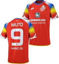 マインツ05 15/16シーズン、ホーム用ユニフォーム。 クラブ創設111年を記念して製作された限定モデル。 #9 MUTOオフィシャルネーム&ナンバー入り。