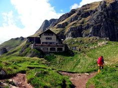 For connoisseurs: 3 days hut tour in the Tannheimer mountains - Urlaub - Europe Destinations, Bergen, Mtb, Vacations To Go, Surfing Pictures, Road Trip Hacks, Train Travel, Train Trip, India Travel