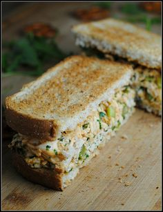 buffalo chicken salad sandwich - made with Greek yogurt | so many good flavors in one place!