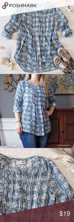 """L/S Floral Tunic This tunic from Old Navy has the most gorgeous print!  It's so easy, comfy and pretty that it's bound to become your go to this spring and summer. It's long enough to wear with leggings, too. Good condition, no holes, stains or loose seams. 100% cotton. Measures: chest 20.5"""" (should fit a lg, too), shoulders 16"""", length 28""""(front) and 30""""(back), sleeve 25"""". Tops Tunics"""