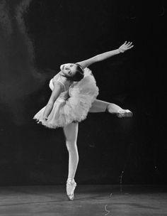 Gjon Mili - Alicia Alonso , 1944