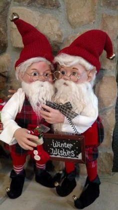 Set-2-NWT-20-Santas-Elves-ELF-Red-White-Plaid-Christmas-Figurine-Doll-Prop