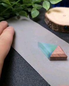 Diy Resin Art, Diy Resin Crafts, Diy Crafts Hacks, Diy Home Crafts, Diy Art, Epoxy Resin Wood, Diy Epoxy, Wood And Resin Jewelry, Resin And Wood Diy
