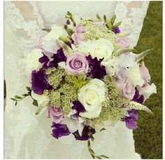 Wedding flower Like the two toned. Want to match with the bridesmaids