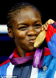 History belongs to a bonny little lass from Leeds with a smile like sunshine and a punch like thunder. Nicola Adams won the first gold medal achieved by a female boxer at the Olympics. Black People, Real People, Team Gb 2012, Olympic Boxing, Female Boxers, Boxing Champions, Sports Celebrities, Olympians, Black History
