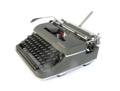 Working typewriter Olympia SM4 De Luxe 1958 by SoYesterdaySoCool