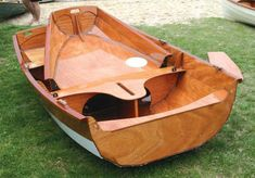 Fast-sailing, Ultra-light Take-Apart Dinghy That You Can Build!