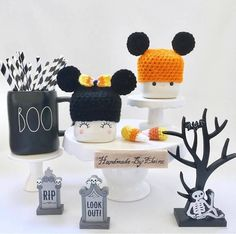 Sunday Dunnday-October 13, 2019 - In My Right Mind Designs Christmas Post, Christmas Mugs, Summer Crafts, Holiday Crafts, Valentine Hats, Cute Halloween, Mickey Halloween, Cute Marshmallows, Crochet Disney