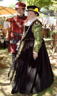#Elizabethan #Renaissance #Tudor #16th #Century Renaissance Faire Costumes - Ren Faire Costumes - Faire Garb - #renfaire #fairegarb #RenaissanceFaire  #renaissanceFaireCostumes - Male and female nobility costumes - RenFest Ideas -Ren Fest Ideas -Keep Calm and Craft On: Ren Faire Costumes