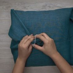 No Sew and Super Quick and Easy Cozy Pillow Cover Tutorial | Home Decor Ideas for DIY Lovers!