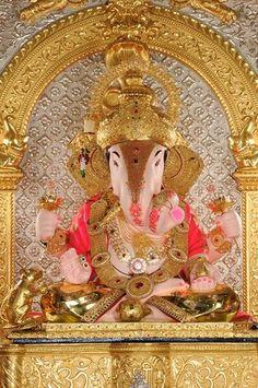 Srimanta Dagdusheth Halwai Ganpati !!! Pune , India ❤️☀️