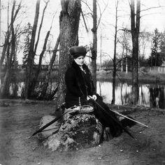Alix under house arrest - Tsarskoe Selo - 1917.