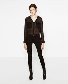 Zdjęcie 1 BLUZKA Z TKANINY PLUMETI z Zara Zara, Monochrome Fashion, New Fashion Trends, Playsuits, Wearing Black, Blouse, Work Wear, Autumn Fashion, Black Jeans