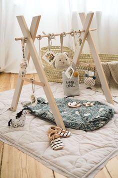 Babyshower gift idea with DIY play bow- Babyshower Geschenkidee mit DIY Spielbogen Babyshower Gift Idea with DIY Play Bow