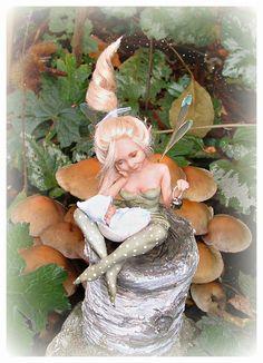Baby Fairy, Love Fairy, Weird Creatures, Magical Creatures, Fairy Paintings, Clay Fairies, Polymer Clay Dolls, Fairy Godmother, Doll Repaint