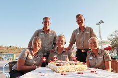 Bravo Tours fylder 15 år! Billedet er fra Algarve, hvor vores fantastiske rejseledere fejrer vores fødselsdag.  #BravoTours #Rejser #Ferie
