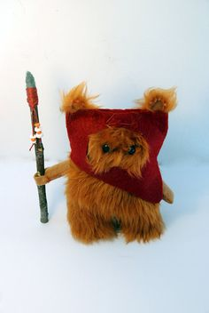Fur and felt Ewok doll inspired in one of the characters in the cult movies Star Wars.