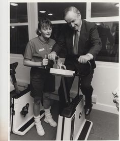 Albert Reynolds makes some time to try out the facilities in the Leisure Centre!