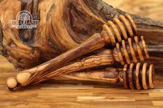 3 bâtons de miel en bois d'Olivier. À la main faite Sainte terre d'Olive bois sculpté cuillères de bâtons de miel faites à Bethléem. Qualité parfaite. Edition limitée.