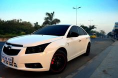 custom white chevy cruze with black rims Chevy Cruze Custom, 2017 Chevy Cruze, Chevrolet Cruze, Chevrolet Malibu, Malibu Black, Chevy Girl, Car Mods, Black Rims, Modified Cars