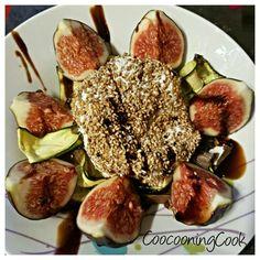 salade de figues et son palet de chèvre sur un lit de courgettes grillées