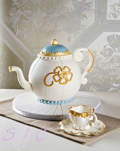 Teapot CAKE!