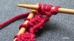 Koskaan ei ole liian myöhäistä: Piparkakkureunaa neulomalla Friendship Bracelets, Knitting Patterns, Crochet Necklace, Hair Styles, Beauty, Hair Plait Styles, Knit Patterns, Hair Makeup, Hairdos