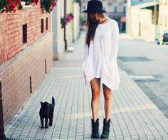 Нарядное платье и полуботинки - спасаемся от холода красиво