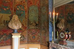 Château de Vaux-le-Vicomte - Maincy (France) | Château de Vaux-le-Vicomte 11/06/2013 15h58 Cabinet de la Fontaine, one of the many rooms in the palace.   Château de Vaux-le-Vicomte The Château de Vaux-le-Vicomte is a baroque French château located in Maincy, near Melun, 55 km southeast of Paris in the Seine-et-Marne département of France. It was built from 1658 to 1661 for Nicolas Fouquet, Marquis de Belle Île, Viscount of Melun and Vaux, the superintendent of finances